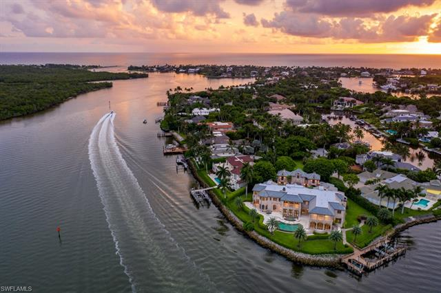 Homes West of 41 Naples